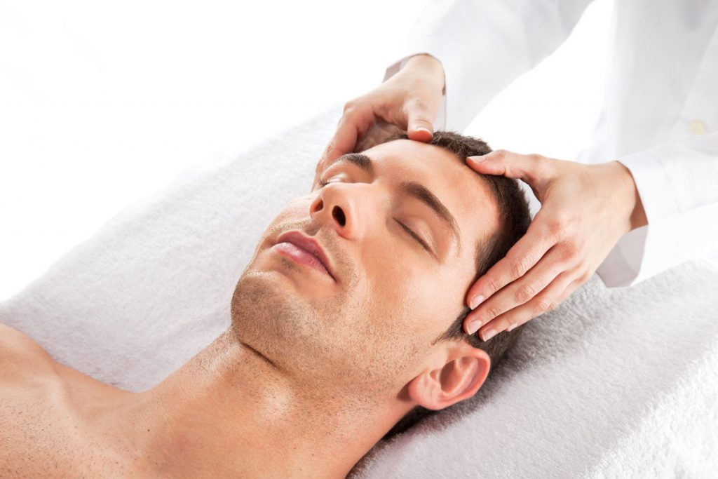 Galvos masažas vyrams